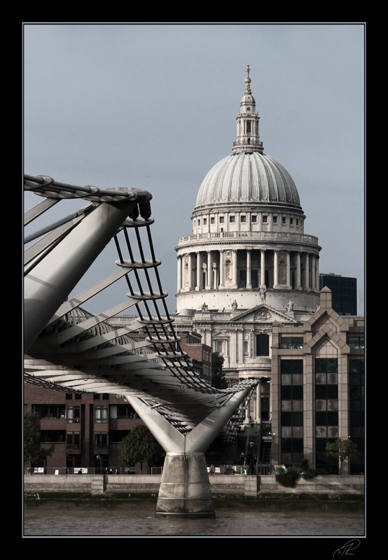 millennium bridge and saint pauls entwined